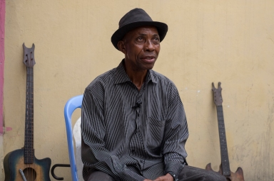 Willy Makonzo, singer, a break during the band rehearsal ©Eloisa d'Orsi